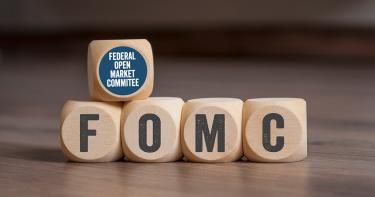 FOMCとは?米国の政策金利を決める重要な会合「FOMC」についてわかりやすく解説